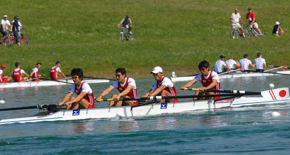 F34 Italia S Coxless 4 racing boat